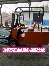 空心砖电瓶叉车生产厂家图片