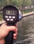 手持式雷达电波流速仪污水测量图片