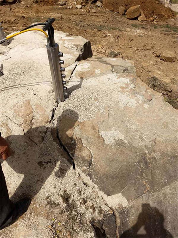 龙岩露天镁石液压破石机新品研发