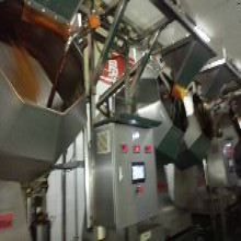 诸城德控机械专业生产自动八角拌料机、