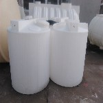 800L药剂桶计量泵药剂桶供应