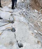 白银平川开采菱镁矿岩石液压劈裂机破拆力巨大