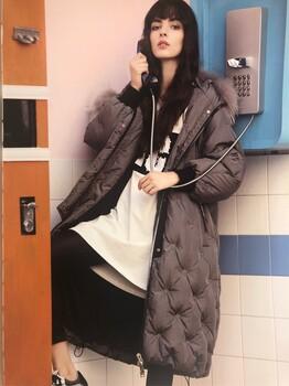 金影奇羽绒服北京大码品牌女装折扣批发尾货惠品恺诗依欧洲站维伊井中月迪斯康娜