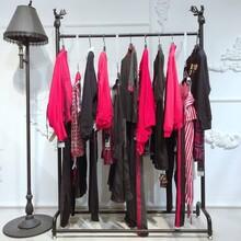 伯爵彩韻睞女裝杭州女裝加盟衣服進貨布同女裝專賣店圖片