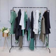 点占19秋冬女装深圳外贸服装批发市场服装代工图片