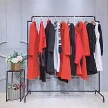 迪笛欧品牌折扣女装店欧货女装连衣裙便宜时尚服装批发图片