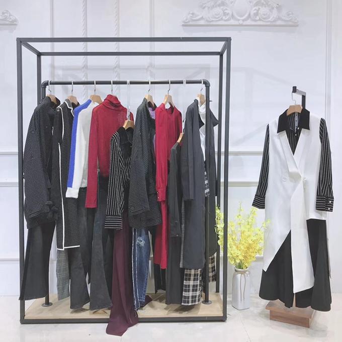 Q之一族深圳女裝折扣批發中老年外套女裝新款石家莊批發服裝