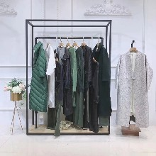 蘭恩蟲二女裝是幾線品牌常熟尾貨市場杭州女裝品牌尾貨批發圖片