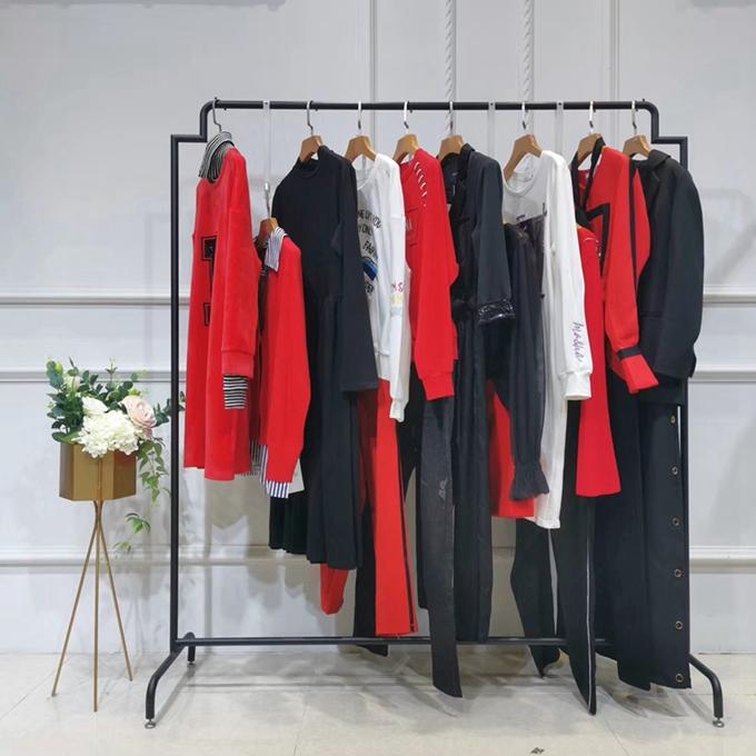 衣衫衣飾中老年冬季女裝上衣杭州服裝尾貨倉庫批發中老年品牌女裝