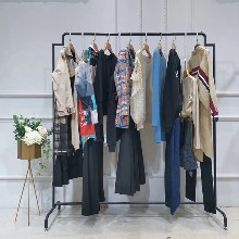 麥絲瑪拉品牌折扣女裝女裝一件批發市場西安女裝加盟圖片