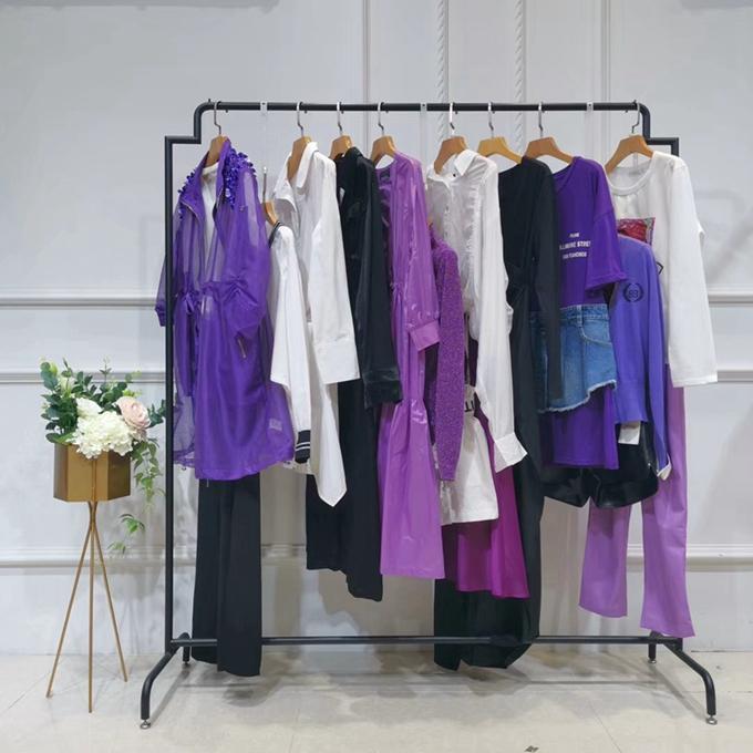 卡索國內二三線女裝品牌外貿尾貨女裝折扣店中老年女裝棉衣唐裝