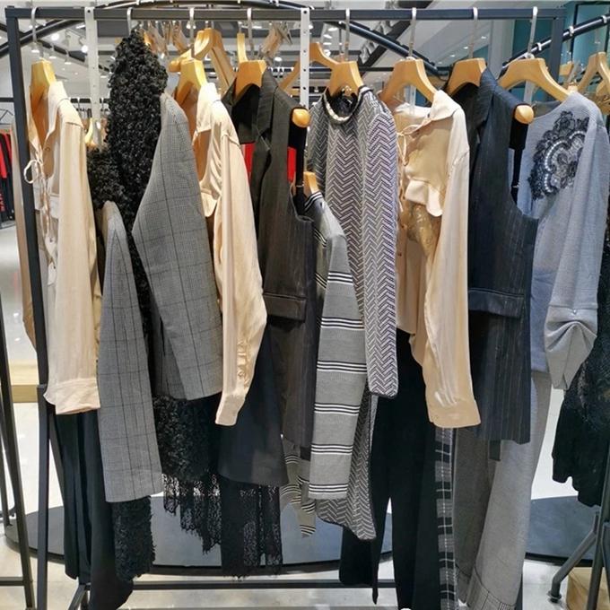 品牌女装折扣中年大码女装批发尾货女装冬装女装实体加盟品牌女装折扣