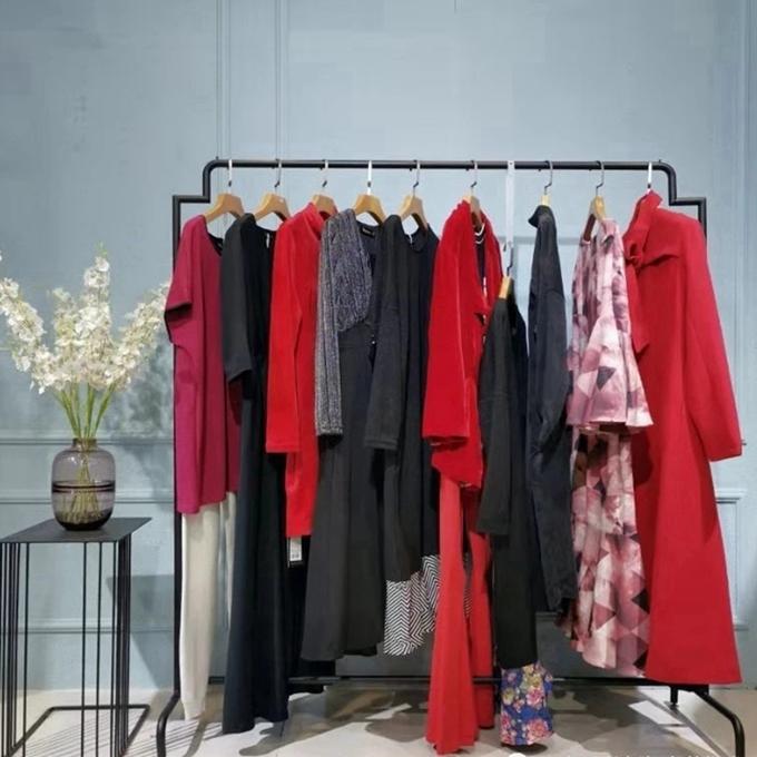 蒙杰詩丹冬季新款中老年女裝女裝棉衣新款杭州有服裝尾貨批發