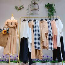 森林鳥女裝北京天蘭天尾貨市場擺地攤賣女裝的學問即墨女裝批發圖片