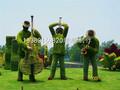 人物绿雕,人物植物仿真造型,人物绿雕造型,成都人物造型设计图片