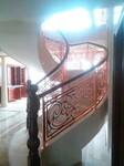 供应不锈钢镜光镂空护栏、玫瑰金镂空花格护栏图片