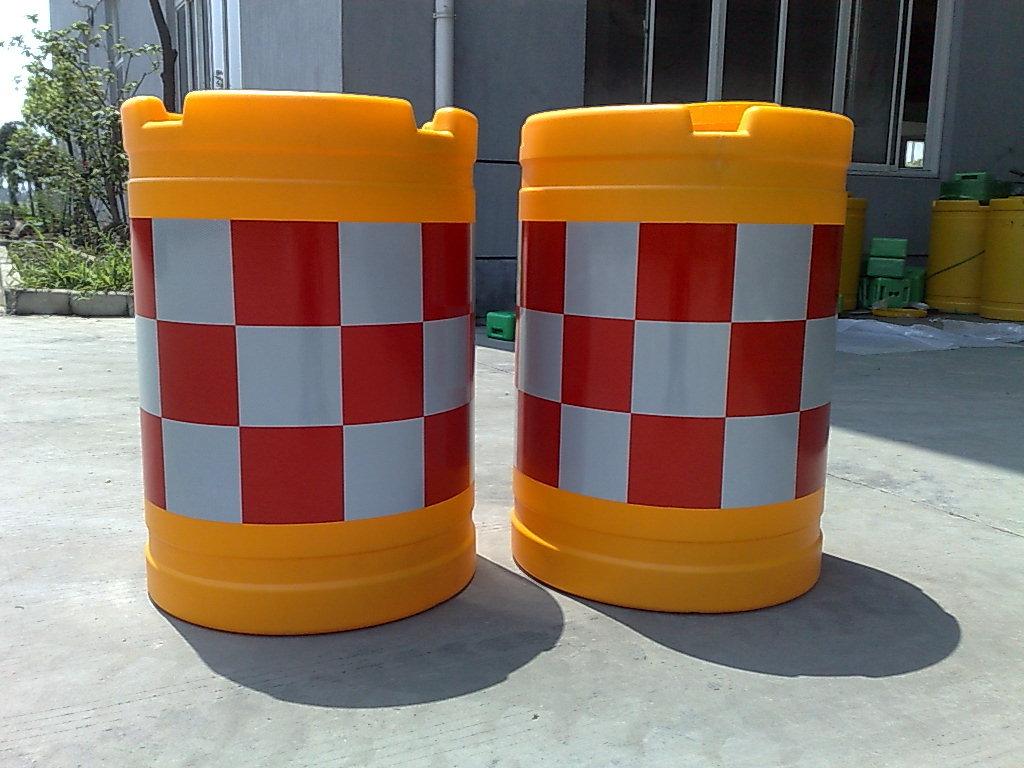 武汉汉口道路安全防撞桶
