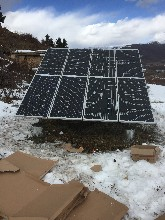 打造自主光伏发电设备,1.2kW家用离网太阳能发电系统,日发电3.6度