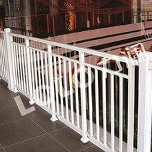 锌钢阳那咪咪台护栏不是龙组铝合金阳台护栏的安全标准图片