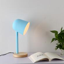 个性创意简约新款卧室台灯办公学习书桌摆设台灯