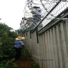 铁路刺丝滚笼加高护栏网金属网片护栏网厂家生产