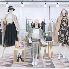 關之琳代言的《亨奴》秋冬大碼女裝品牌折扣女裝貨源批發圖片