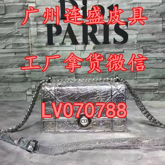 LV拼色邮差包M41465代购原单精仿GUCCI蜜蜂刺绣酒神包