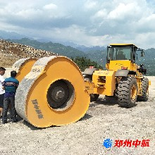 陆川县30kj冲击压路机冲击压路机冲击式压路机销售图片
