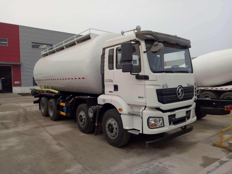 陕汽德龙轻量化28m³干混砂浆运输车配置及价格