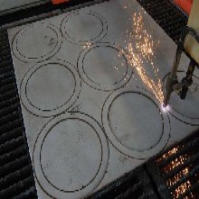 钢板切割变形不用怕,原来他们都是这么处理的……
