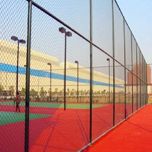 厂家批发零售体育场围网,体育护栏网