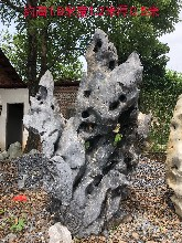 厂家出售形态各异大型太湖石