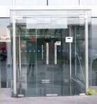上海玻璃移门维修折叠门安装知识介绍图片