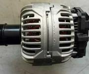 北汽绅宝D70原装发电机。图片
