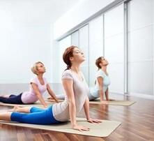 瑜伽教练培训机构,瑜伽健身专业班,初级瑜伽教学,瑜伽教练培训哪家专业图片