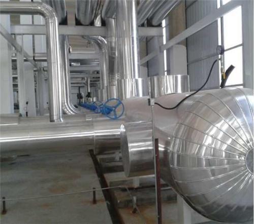 锅炉管道设备岩棉硅酸铝保温隔热施工安装。