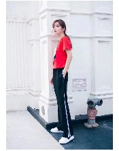 一线品牌过季下架女装货源批发图片