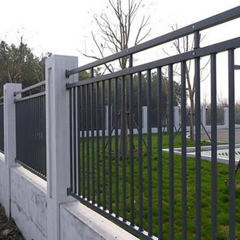 文昌院墙铁艺护栏通透式围墙栏杆公园锌钢栅栏安装