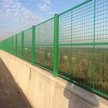 佛山公路护栏网现货南海公路两侧围栏网顺德公路中间隔离栅