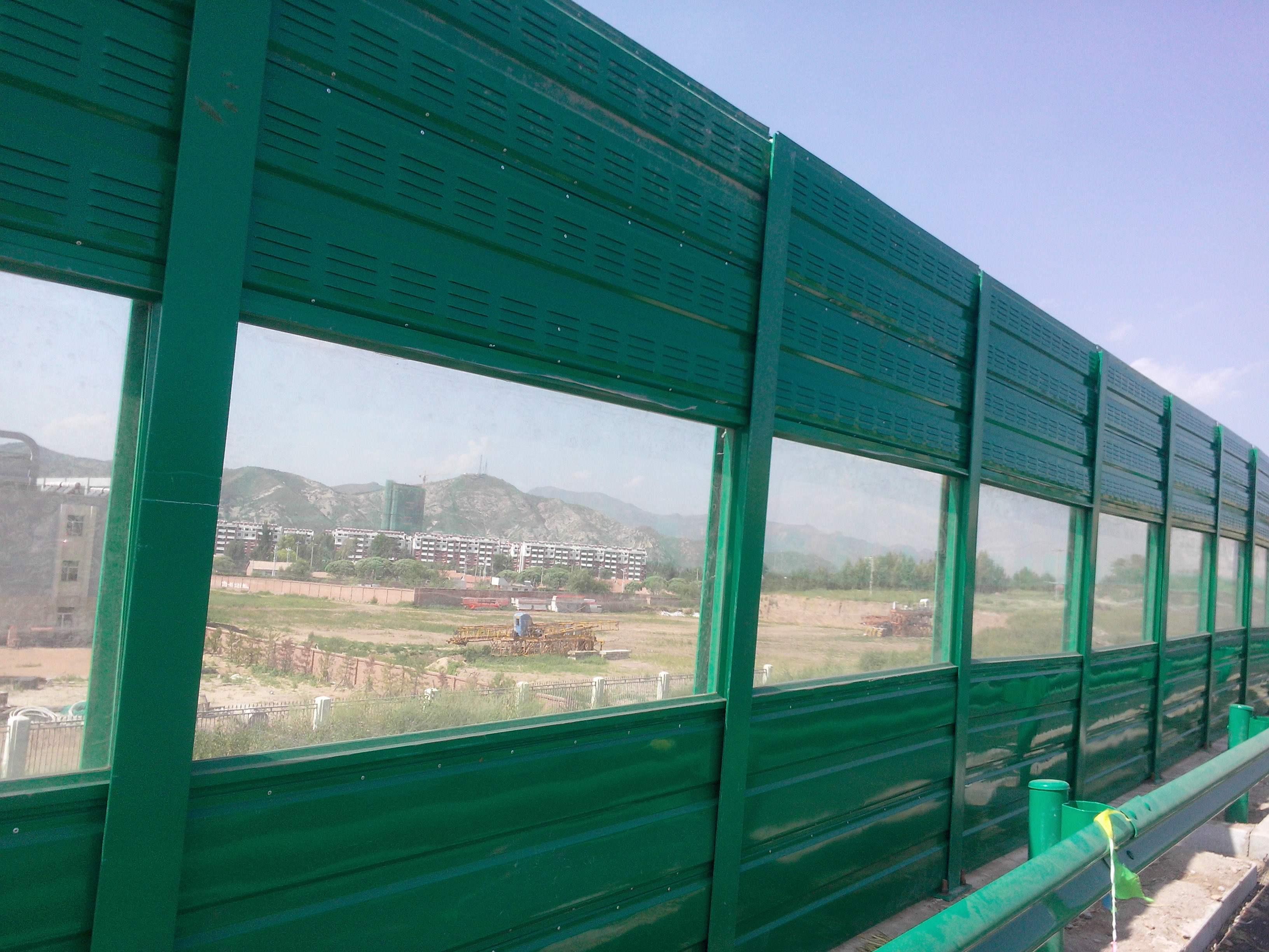 镀锌板玻璃棉隔音降噪声屏障隔音墙吸声屏