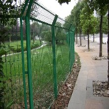 厂家批发供应高速公路护栏网铁丝护栏网专业安装