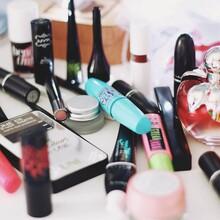 化妆品检测图片