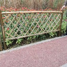 洛阳孟津竹篱笆伸缩碳化木防腐木栅栏围栏图片