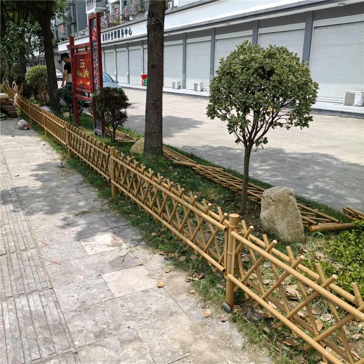 鶴壁淇濱區 竹籬笆仿竹圍欄石林草坪護欄竹子護欄仿竹圍欄