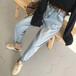 集市上賣什么吸引人江蘇連云港淘寶找貨源牛仔褲外貿彈力牛仔褲大碼清倉尾貨牛仔褲批發