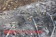 山西稷山公路旁邊開挖巖石靜爆石頭的機械設備大力神靜爆棒廣礦機械制造