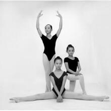 济南舞蹈培训班阿昆舞蹈小知识为什么孩子一学期都在学同一个动作?