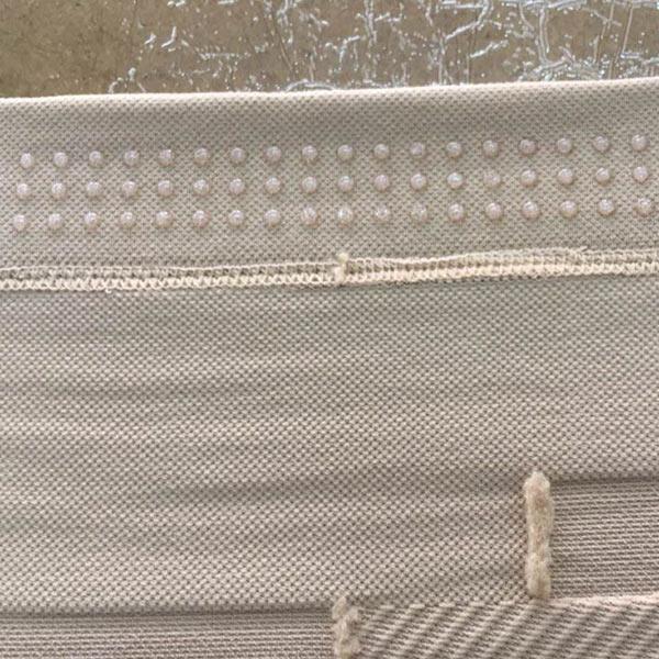 义乌护膝防滑加工厂家,点圆点点胶,硅胶涂点防滑加工,瑞光点胶