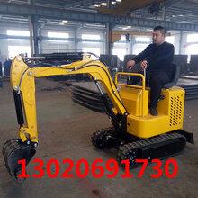 深圳专发18小型挖掘机,挖掘机厂家,市政挖掘机首选设备