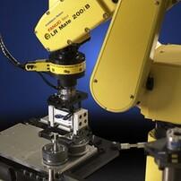 自動焊接機器人清關,進口日本機器人圖片